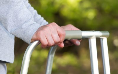 Differences between a rollator and a standard walker